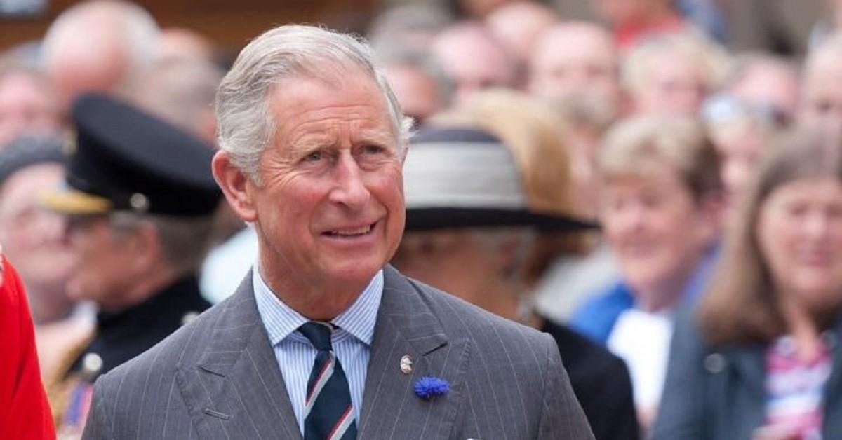 Coronavirus, il Principe Carlo esce dall'isolamento solo dop