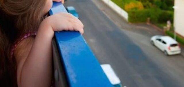 Caserta-bimbo-di-3-anni-caduto-dal-balcone 2
