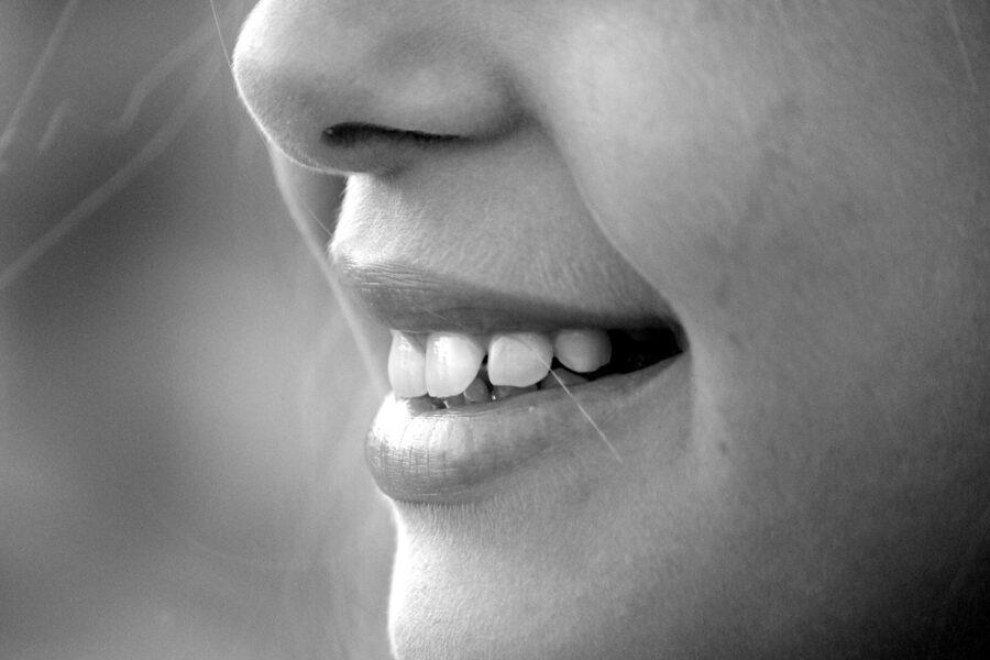 sognare denti caduti