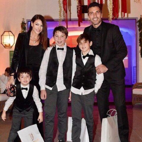 Gianluigi Buffon e Ilaria D'Amico famiglia allargata