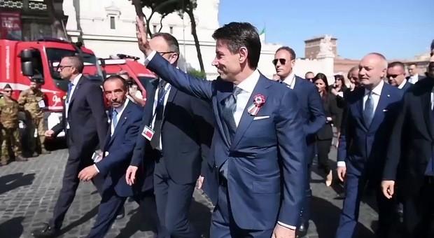Giuseppe Conte dedica un post all'agente Giorgio Guastamacch
