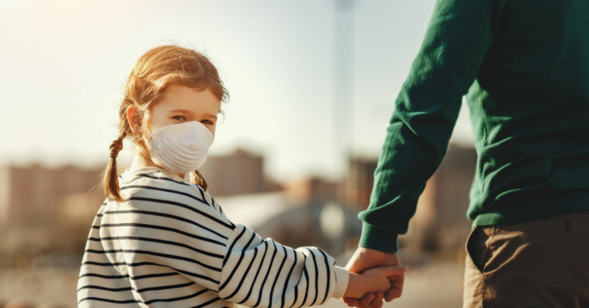 """Coronavirus, passeggiate bambini genitori. Vito Crimi: """"Non"""