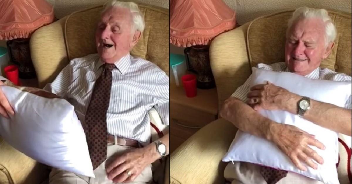 Ken Benbow in lacrime per il cuscino