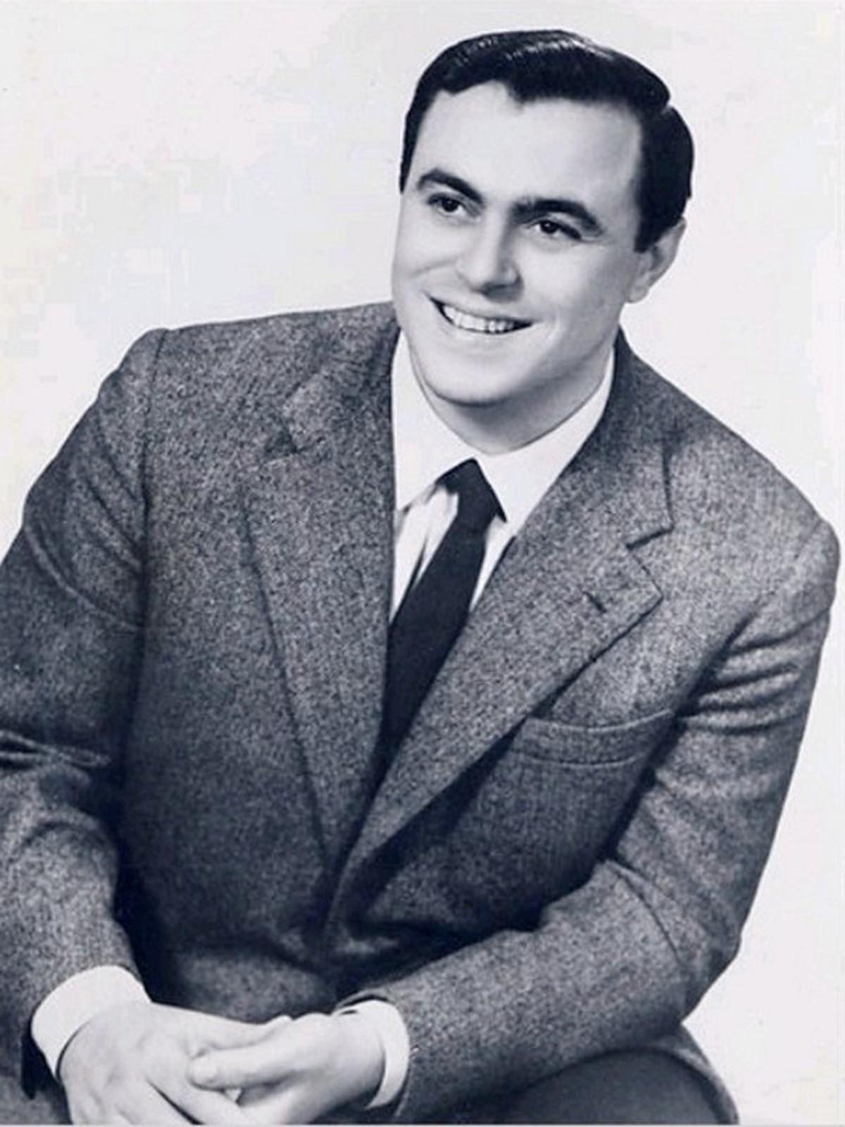 Luciano Pavarotti giovane