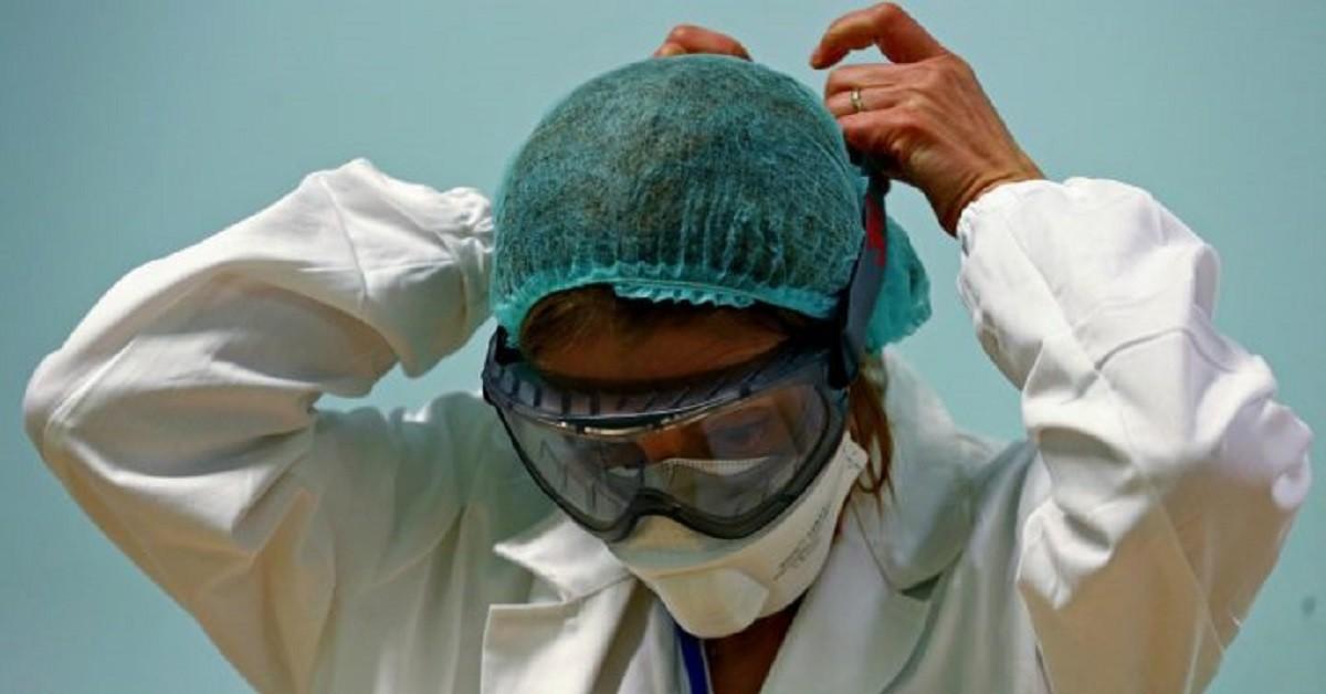 mamma-anestesista-lontana-dalle-figlie-da-piu-di-un-mese