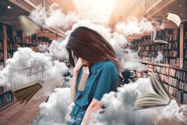 donna stressata con pensieri