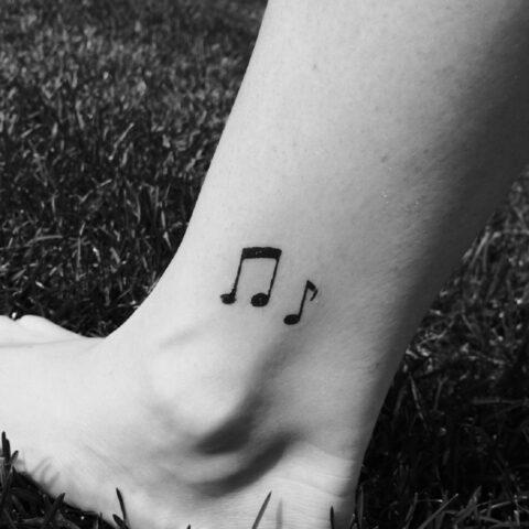 Note musicali tatuaggio