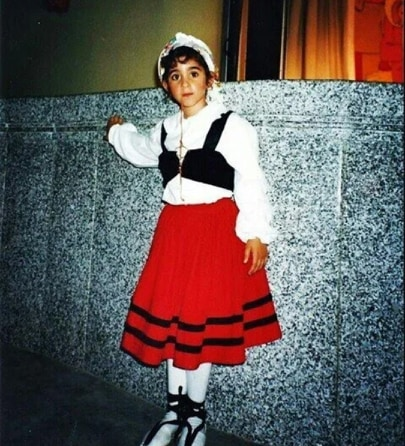 Alba Flores bambina