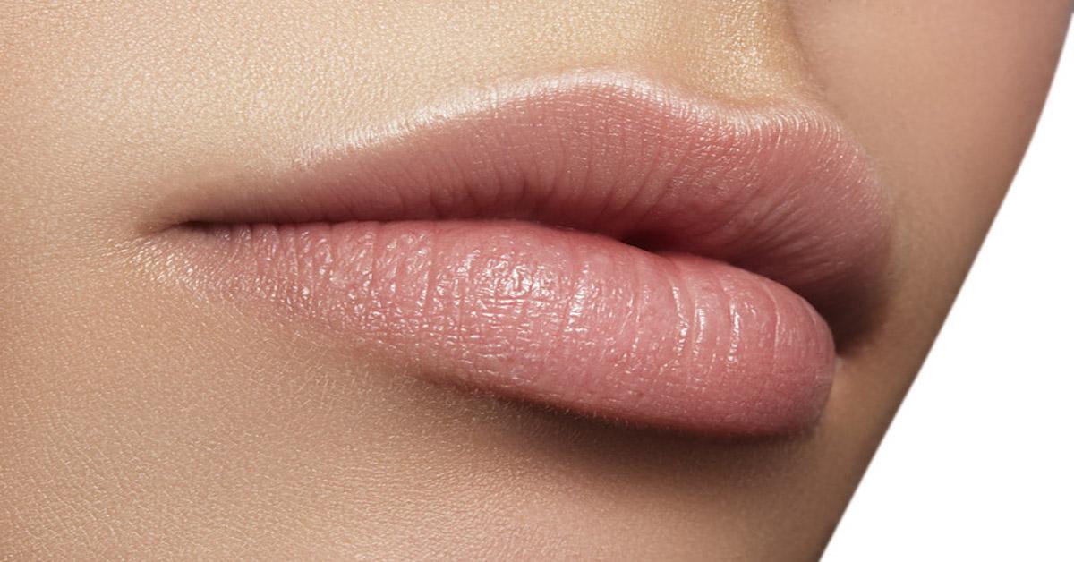 Come idratare le labbra quotidianamente