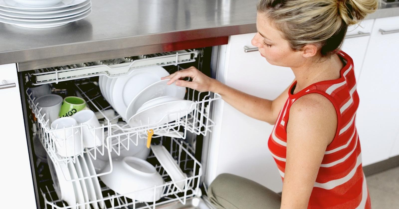 Disinfettare la lavastoviglie: trucchi per l'igiene perfetta
