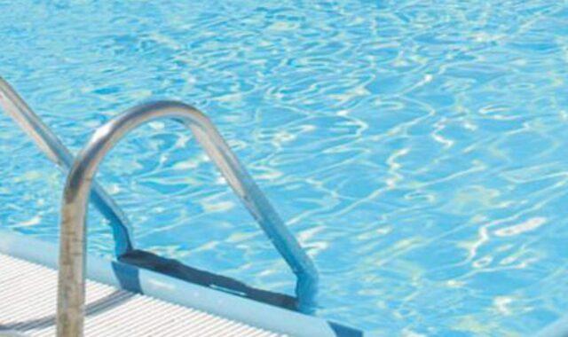 Napoli bimbo annegato in piscina