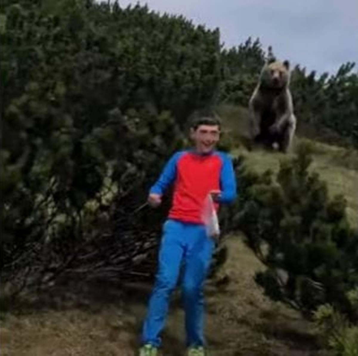 bambino e orso
