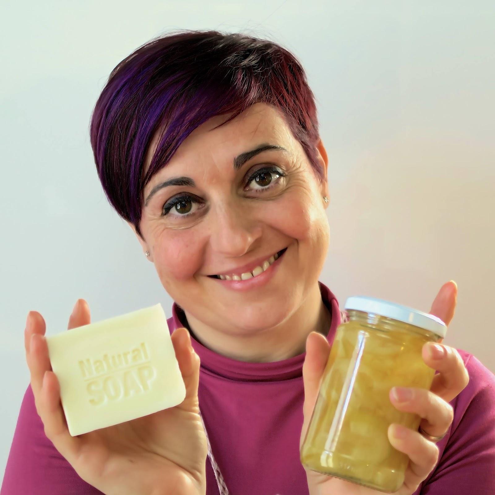 Benedetta Rossi e sapone