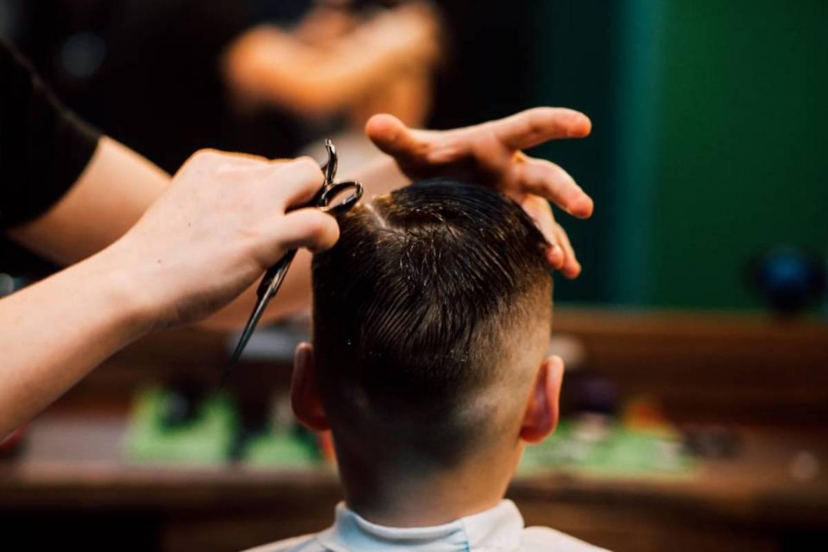 parrucchiere e cliente