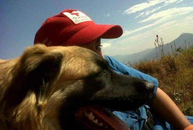 La ragazza e il suo cane