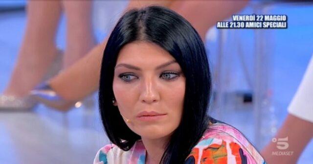 Giovanna Abate riceve una lettera