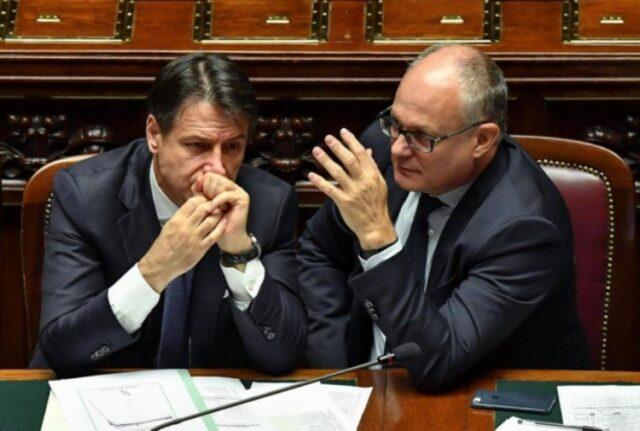 Giuseppe Conte e ministro Gualtier decreto rilancio