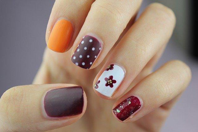 Come fare la manicure