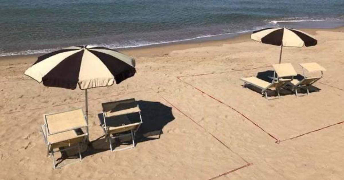 spiagge e ombrelloni