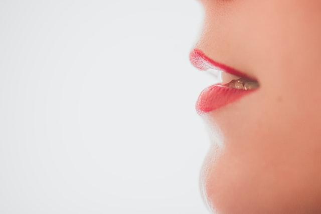 Ragadi labbra, cosa sono e come curarle