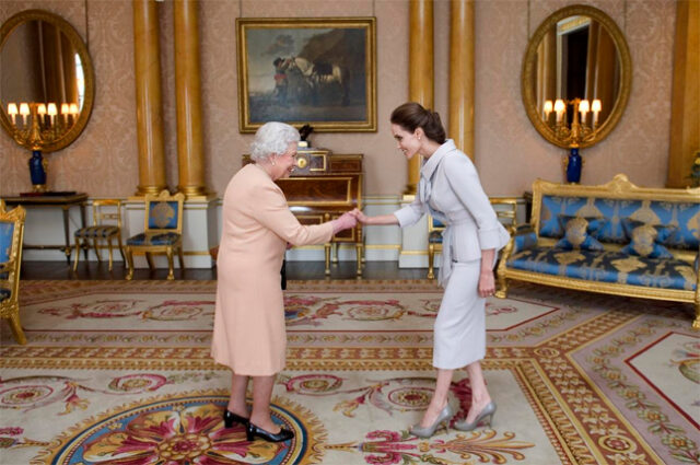 Regina Elisabetta a palazzo