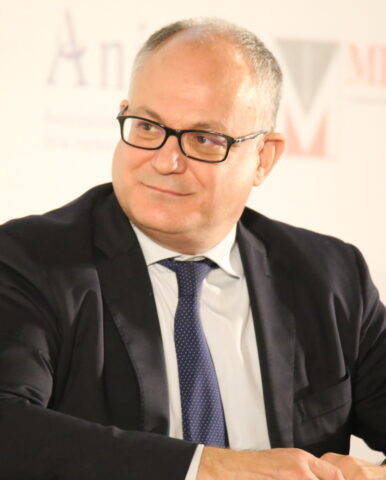 Le misure del decreto rilancio anticipate da Roberto Gualtieri