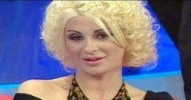 Tina Cipollari tronista e corteggiatrice