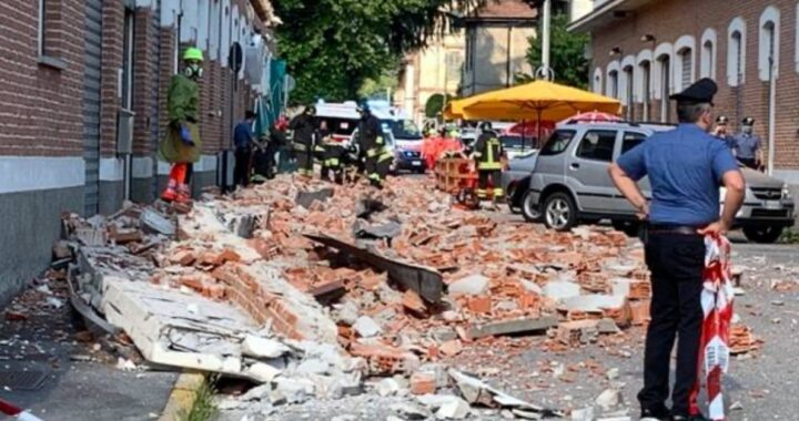 Albizzate crollato cornicione edificio