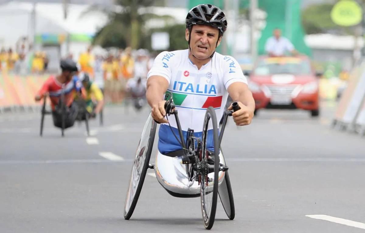 Alex Zanardi con la sua handbike
