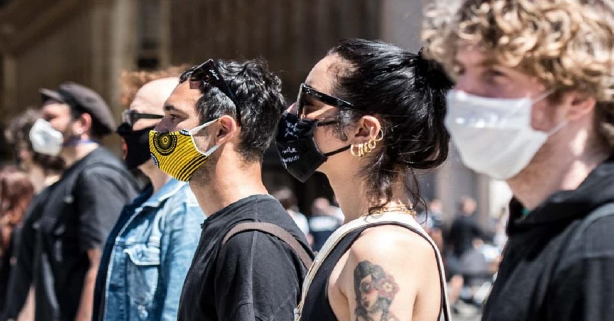 Da Levante a Diodato, flash mob artisti a Milano