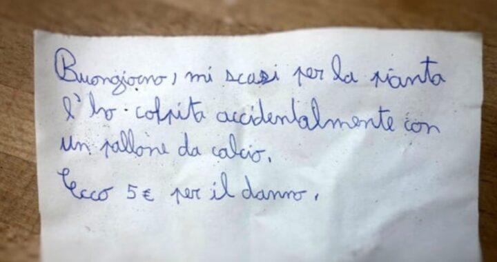 Bambino scrive biglietto di scuse