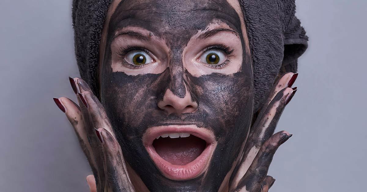 Black mask fai da te: tutti i benefici e i trucchi