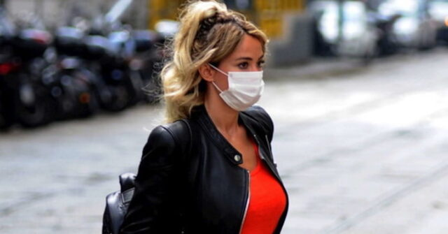 Diletta Leotta con mascherina