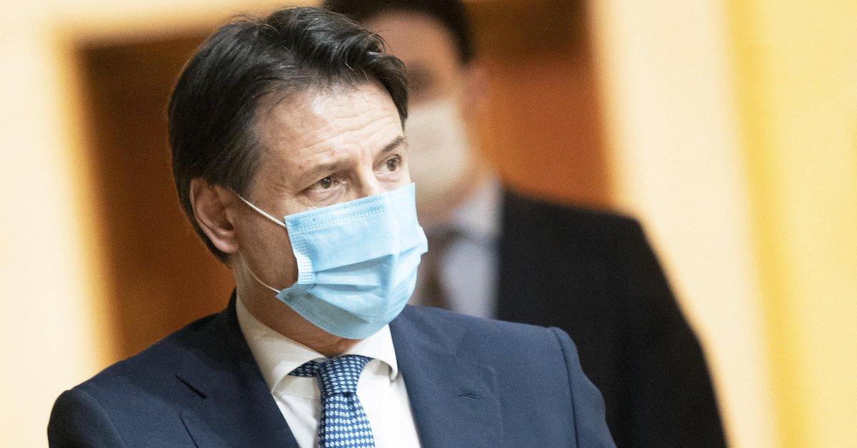 Giuseppe Conte mascherina