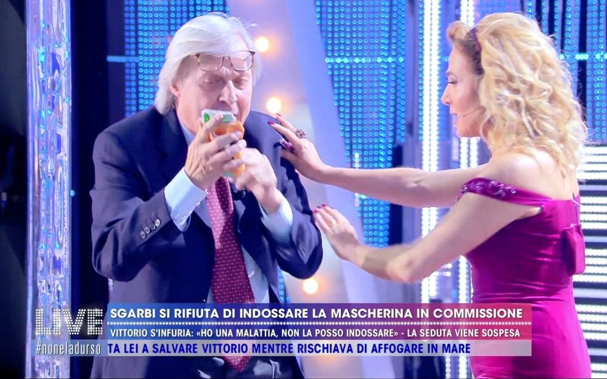 Vittorio Sgarbi con Barbara D'Urso a Live - Non è la D'Urso