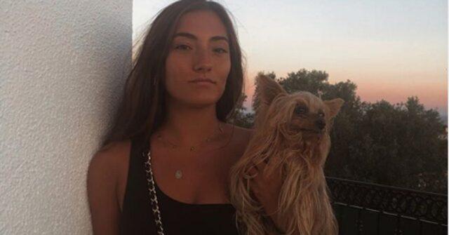 Matilde Mourinho con un cane