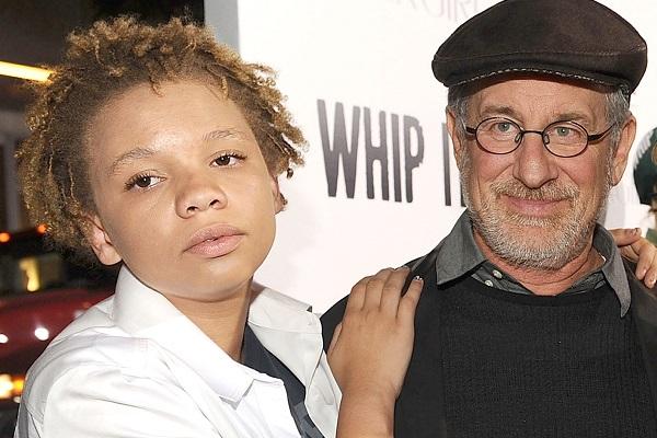 Mikaela Spielberg e il padre