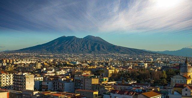 Vista dall'alto di Napoli