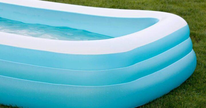 Bra, è morto il bimbo di 21 mesi caduto in piscina: consenso alla donazione degli organi