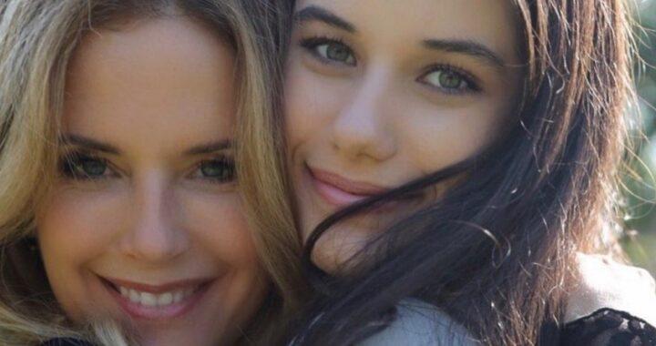 """Ella Travolta, l'addio a Kelly Preston: """"ti voglio tanto bene mamma"""""""