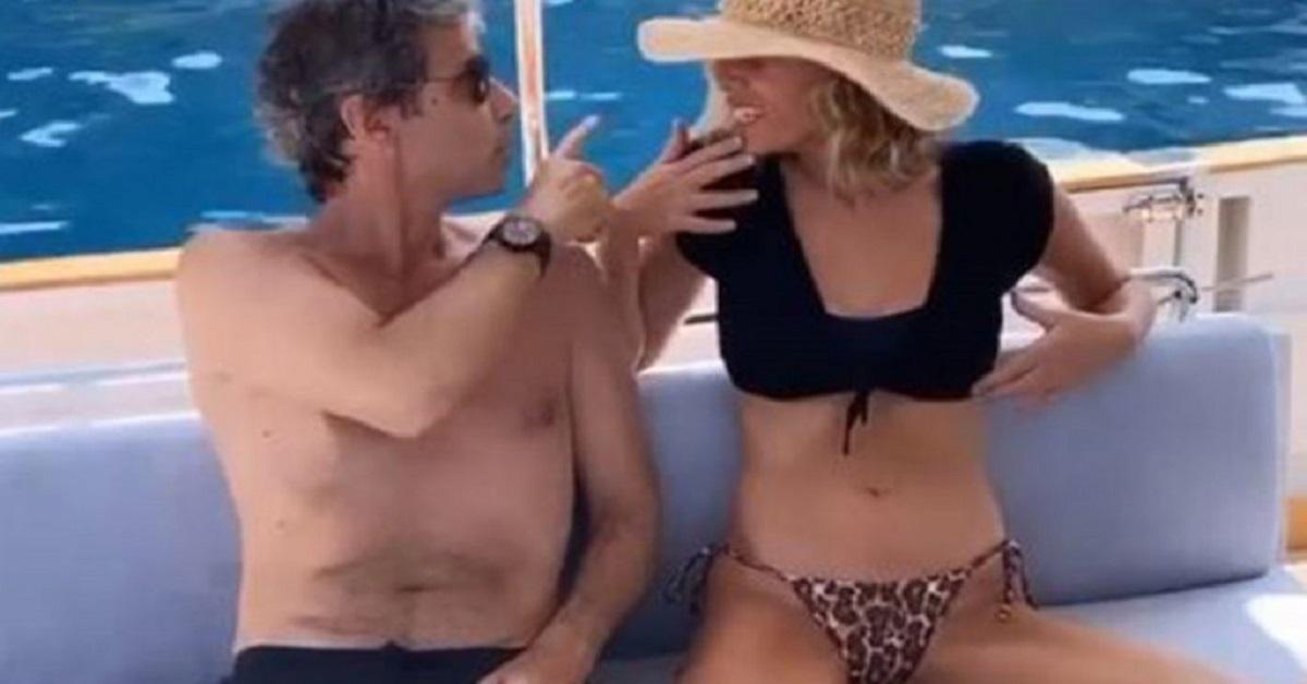 Alessia Marcuzzi spensierata con suo marito