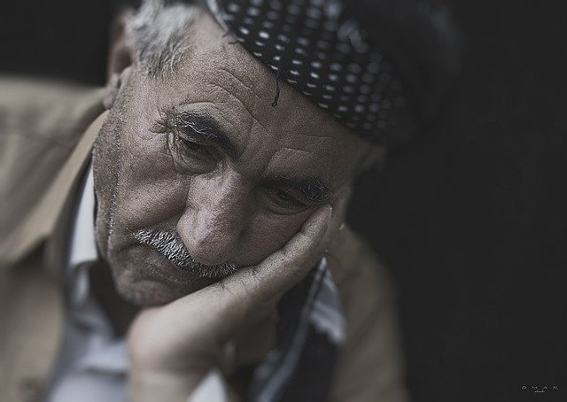 La solitudine degli anziani senza famiglia