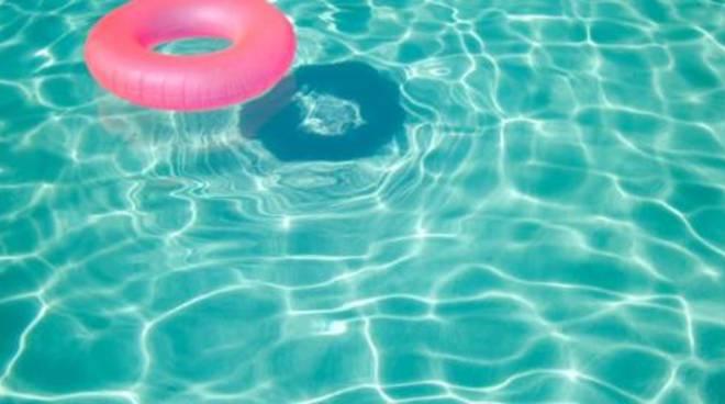 Incidente in piscina