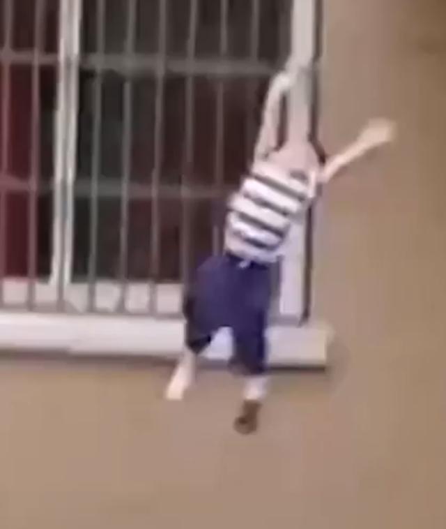 bambino precipita 5 piano