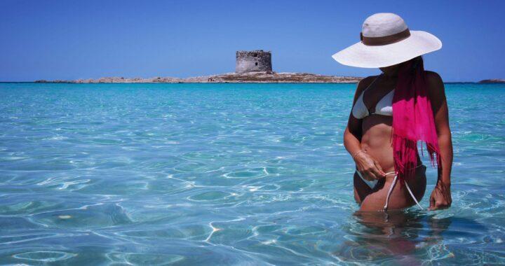 donna in bikini