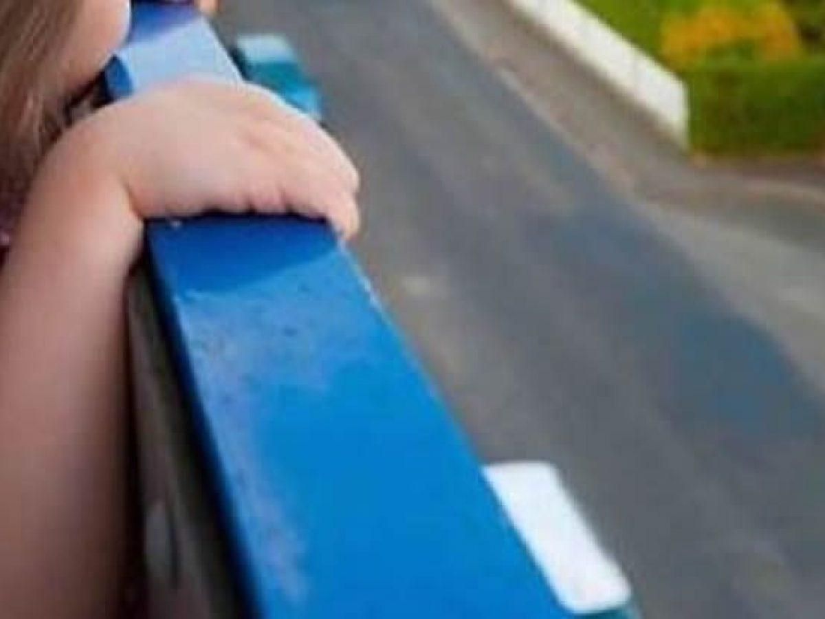 bimbo caduto balcone