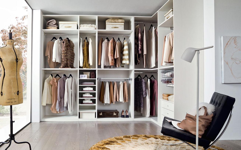 Voglio la cabina armadio: i vantaggi di questo spazio