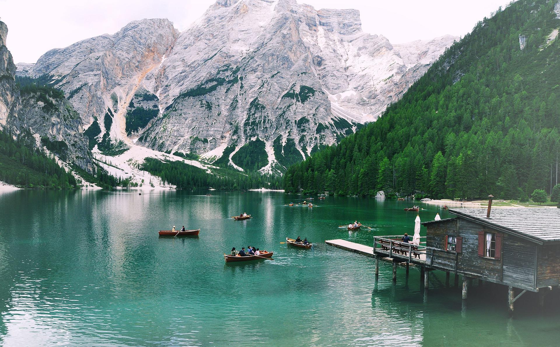 Lago di Braies, lo scorcio incantevole dell'Alto Adige