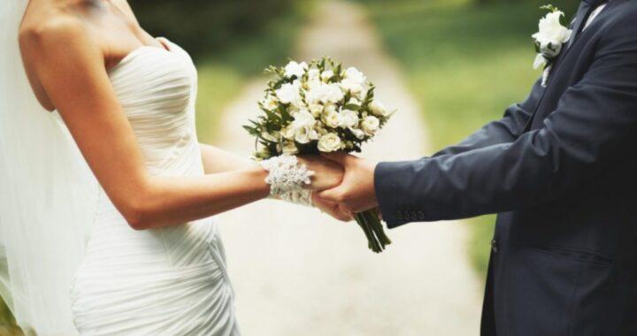 Iran, matrimonio con il covid: morti i genitori di entrambi gli sposi, contagiati alcuni invitati