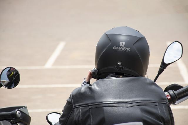 Incidente mortale per un giovane motociclista